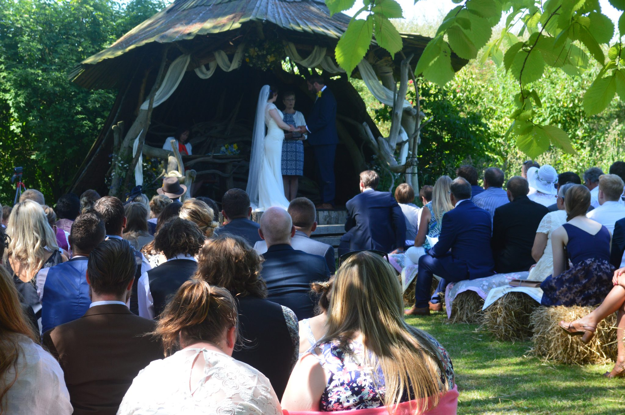 sara amp andrews wedding ash rescue centre